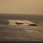 船が網の下に潜ってる!「もぐり船」(動画)詳しくは『あかし本』を